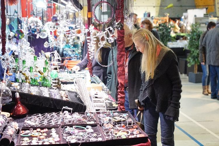 Der 6. Celler HANDGEMACHT-Markt zieht viele Besucher an