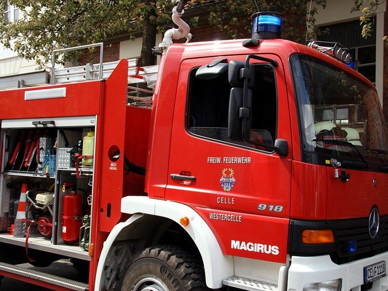 Brand eines Bauwagens auf auf dem Gelände eines Modellbauclubs