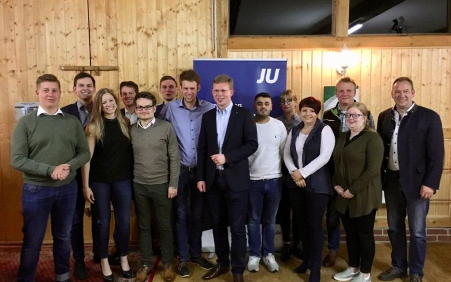 Staffelübergabe beim JU-Kreisverband Celle –  Maximilian Kirchhoff folgt auf Christian Ceyp als Kreisvorsitzender