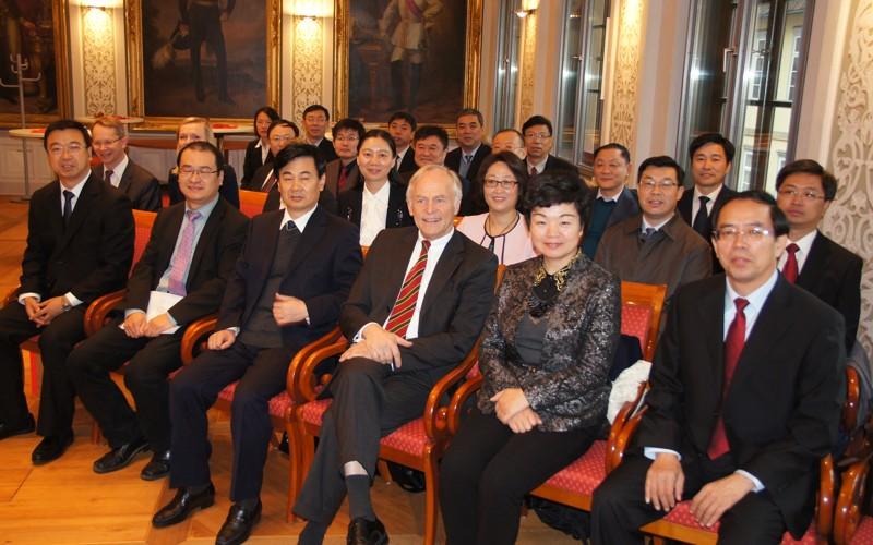 20 Richterinnen und Richter aus China besuchen OLG