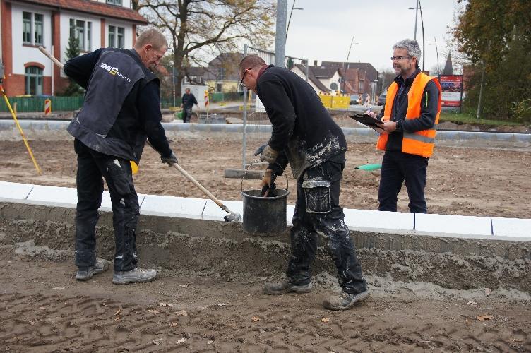 Bauarbeiten am Kreisel Welfenallee/Nienburger Straße gehen in die Endphase