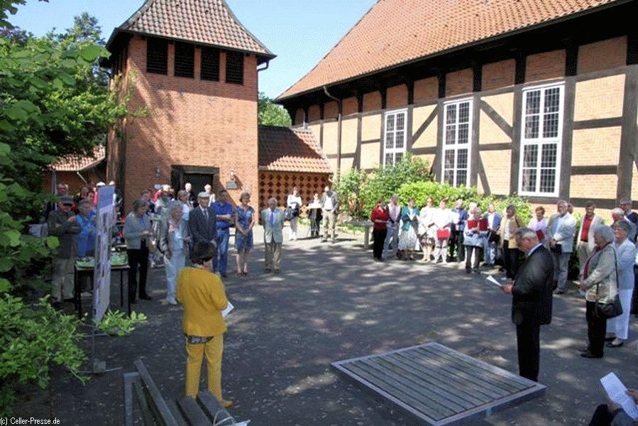 """""""500 Jahre Reformation – 500 Bäume in Wittenberg"""": Bonifatius-Kirchengemeinde Klein Hehlen pflanzt Partnerbaum"""