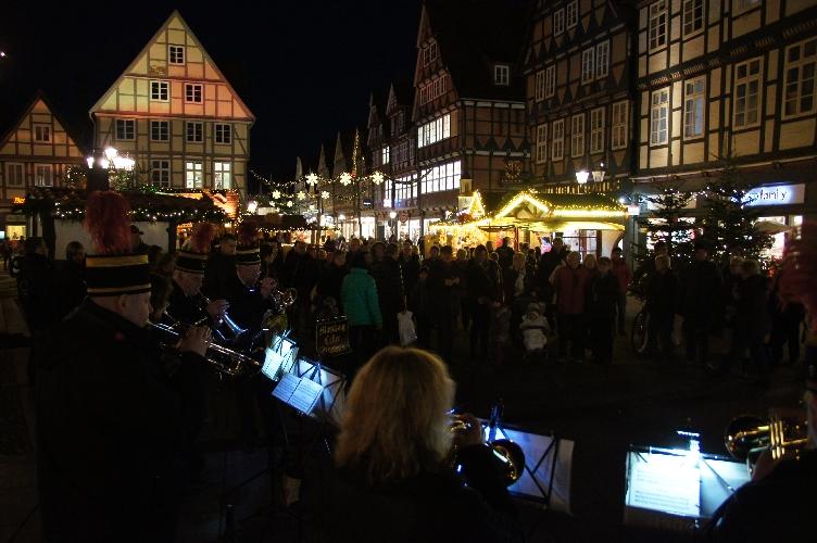 Heute Punkt 17 Uhr: Der Weihnachtsmarkt ist eröffnet