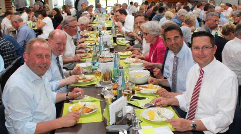 Finanzminister Hilbers begeistert über 200 Gäste beim CDU Spargelessen in Celle