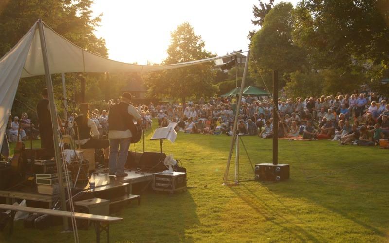 Sommerfest im Heilpflanzengarten: Vorverkauf startet am 03. Juli