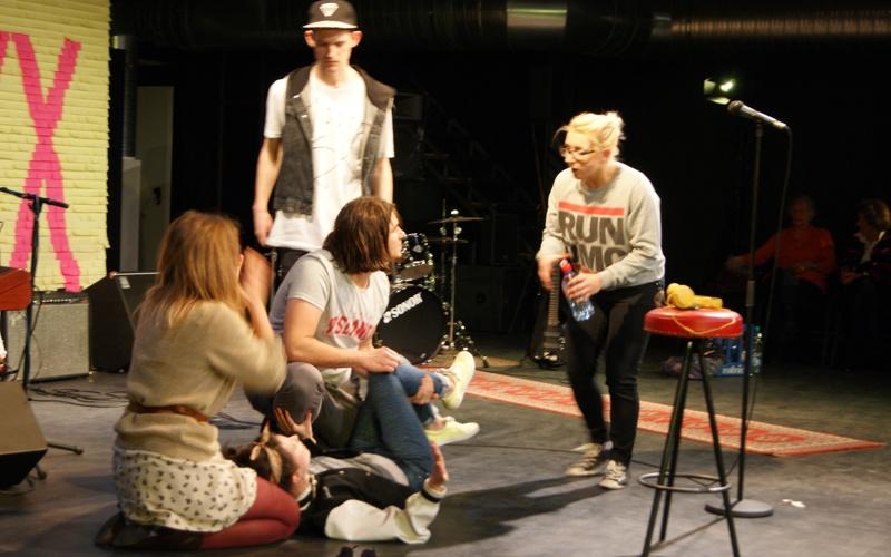 """Jugendtheater Halle 19 am Freitag eröffnet: Es mussten """"dicke Bretter"""" gebohrt werden"""