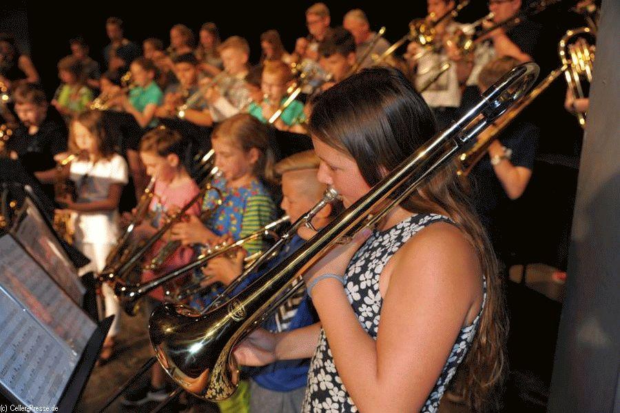 Harmonie und Spielfreude – Sommerkonzert am Christian-Gymnasiums