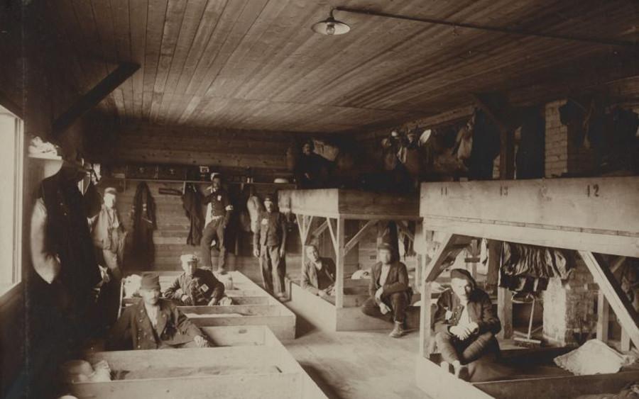 Hinter Stacheldraht: Erste Kuratorenführung durch die Ausstellung zu den Kriegsgefangenenlagern in Celle im Ersten Weltkrieg