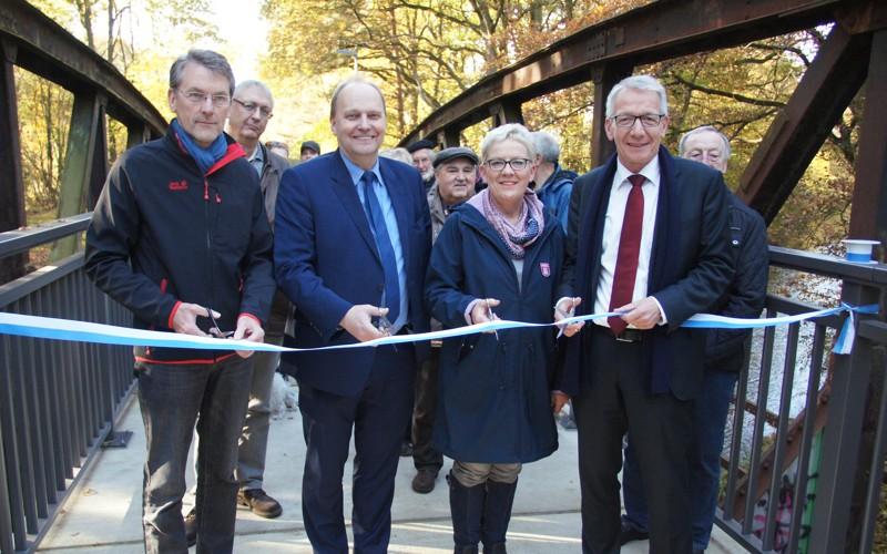 Kanaltrift – Offizielle Freigabe einer neuen Wegeverbindung in Wietzenbruch