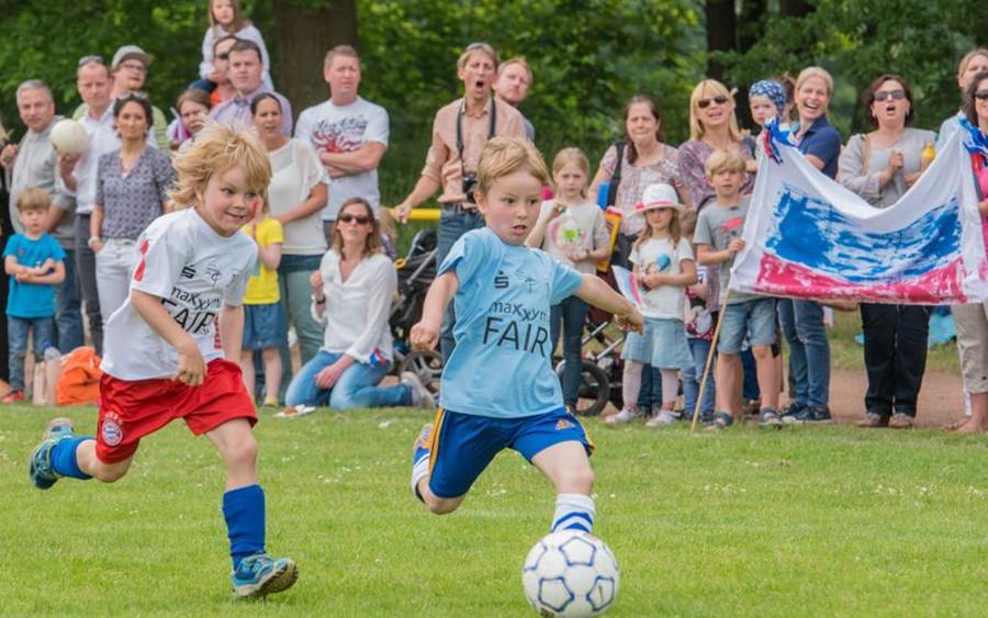 Kindergärten spielen Weltmeisterschaft in Westercelle