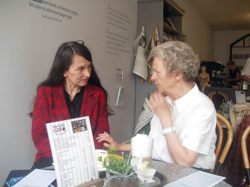 Kirsten Lühmann (MdB) trifft Vertreter der Ernst-Schulze-Gesellschaft um über Kultur und Literatur zu diskutieren