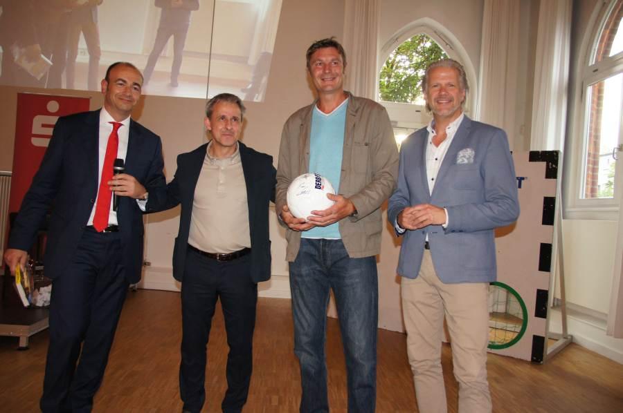 Lothar Matthäus schickte Pierre Littbarski zum Unternehmertreffen der Sparkasse