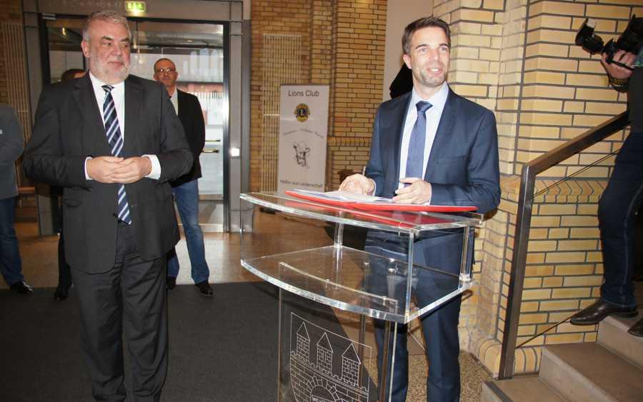 Oberbürgermeister Jörg Nigge begrüßte neue deutsche Staatsbürger