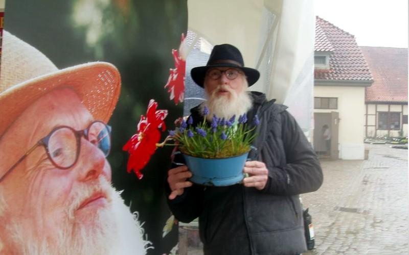 Niedersächsisches Gartenfestival im Landgestüt nahm nach feuchtem Start am Freitag große Fahrt auf