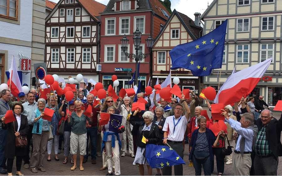 Europa-Café auch im Jahr 2018: Pulse of Europe Celle und Gymnasium Ernestinum im Dialog