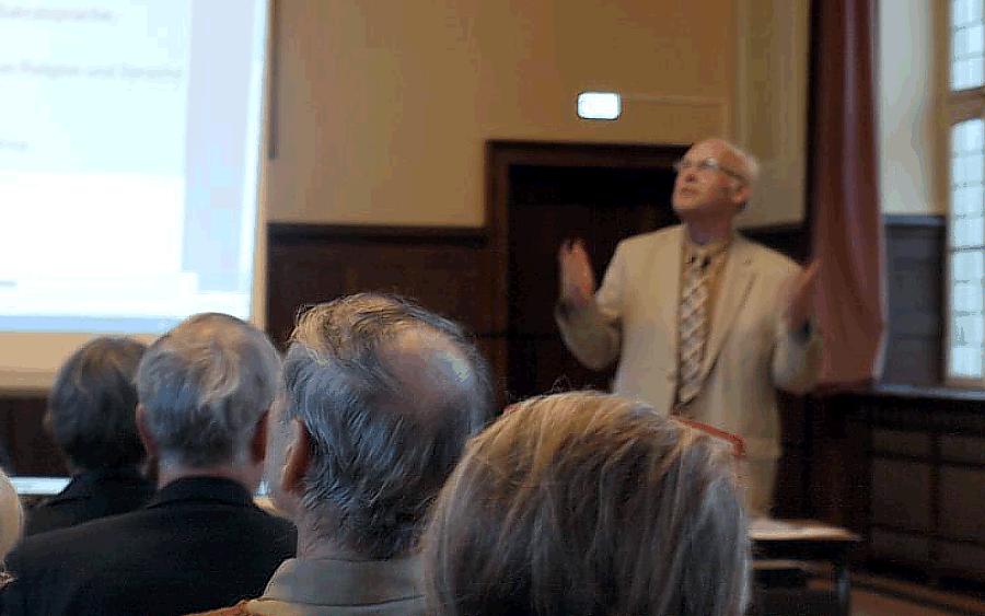 Religion und Sprache aus (Sprach-)Wissenschaftlicher Perspektive