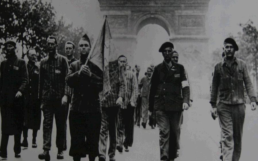 """Sonderausstellung """"Roter Winkel. Politische Häftlinge im KZ Bergen-Belsen"""" in"""