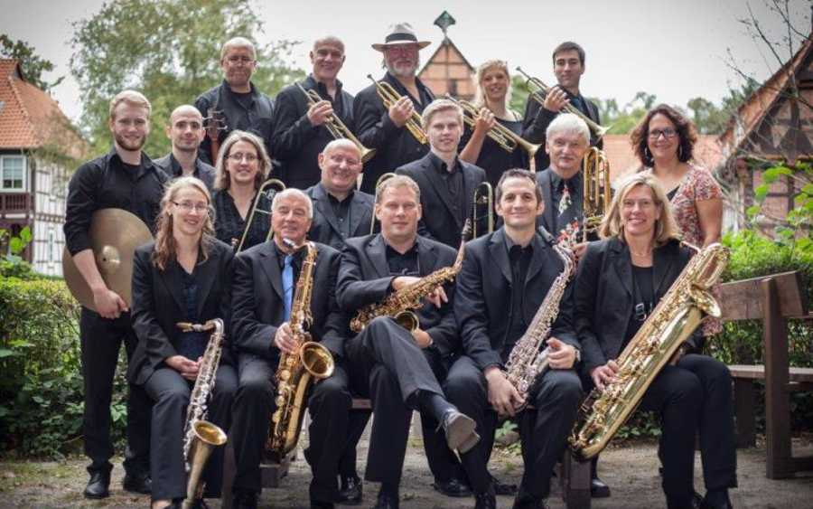 """Swingtime im Mai"" – Die Big Band Celle in der ADTV Tanzschule Krüger"