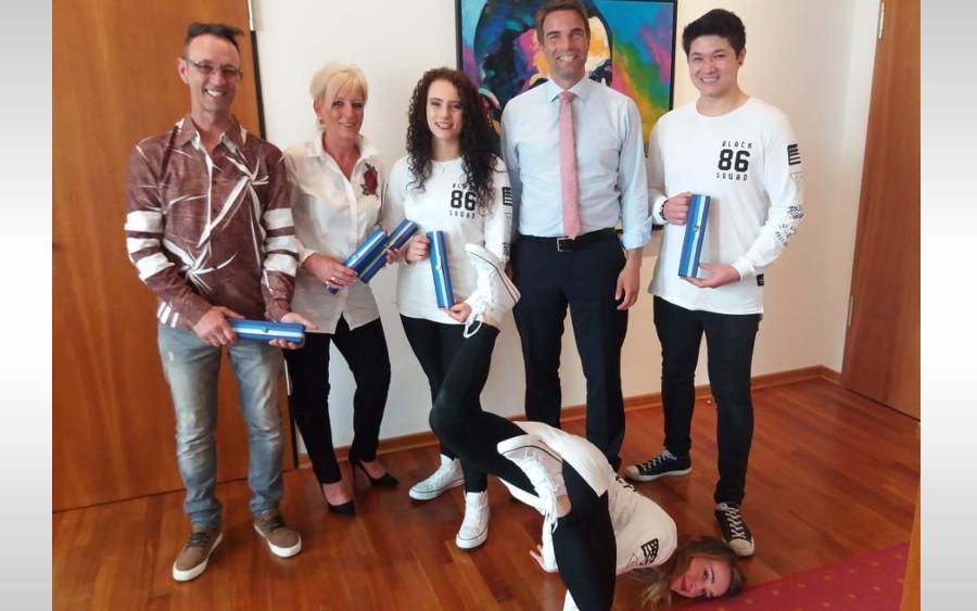 Weltmeister im Neuen Rathaus – OB beglückwünscht Team von Body Talk