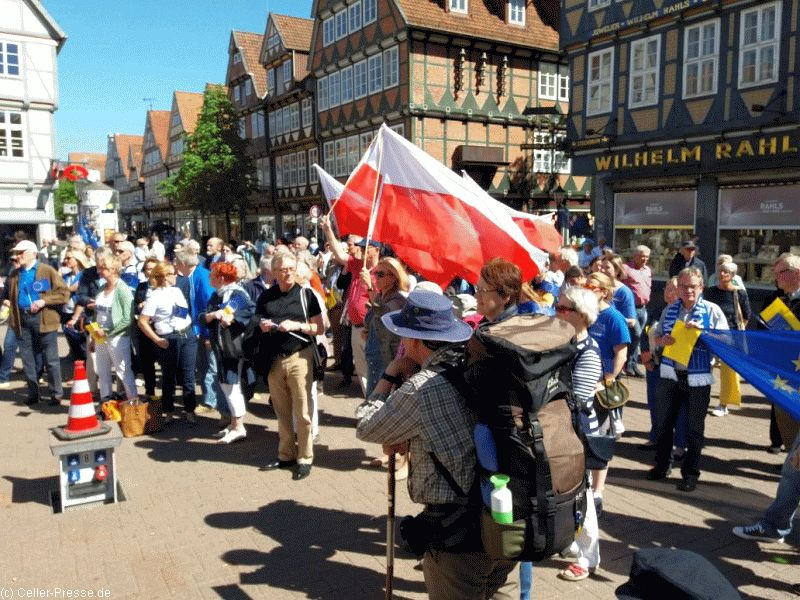 Pulse of Europe sendet Grüße an die Partnerstädte Celles