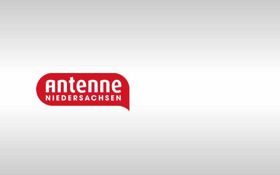Prominente Verstärkung bei Antenne Niedersachsen: Nova Meierhenrich während der WM zu Gast in der Moin-Show
