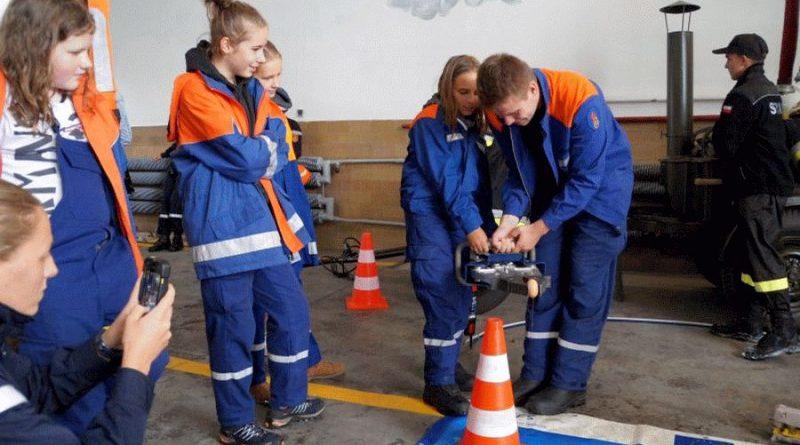 Jugendfeuerwehren der Samtgemeinde Flotwedel absolvieren internationales Feuerwehrcamp