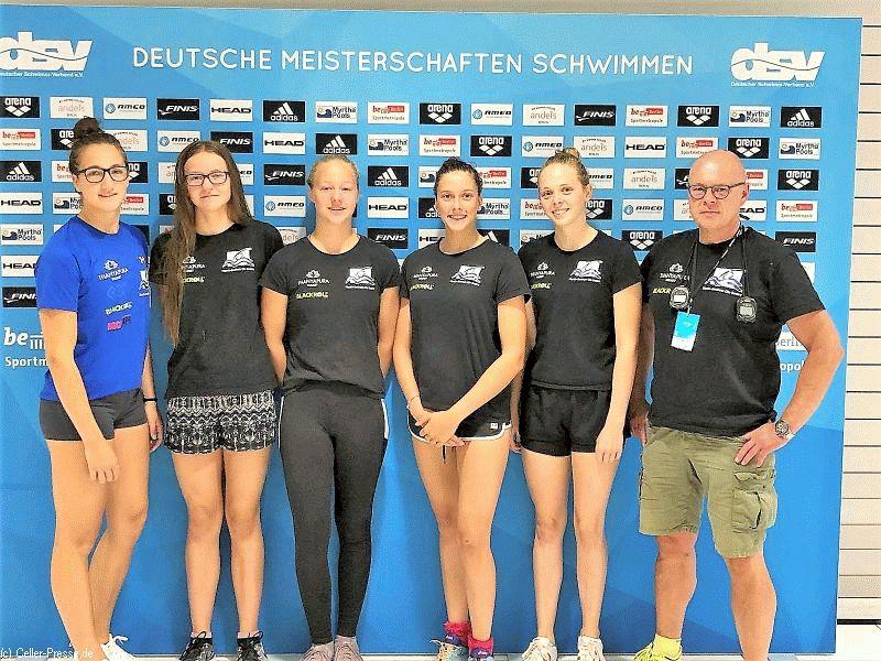 Mit Maike Höner als einziger Einzelsportlerin und zwei Damen-Staffeln war der SV Nienhagen bei den Deutschen Meisterschaften in Berlin am Start.