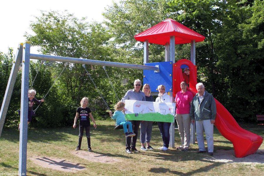 Neues Spielgerät für den Spielplatz Schmarbecker Heide