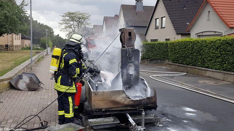 PKW-Anhänger brannte in der Dörnbergstraße