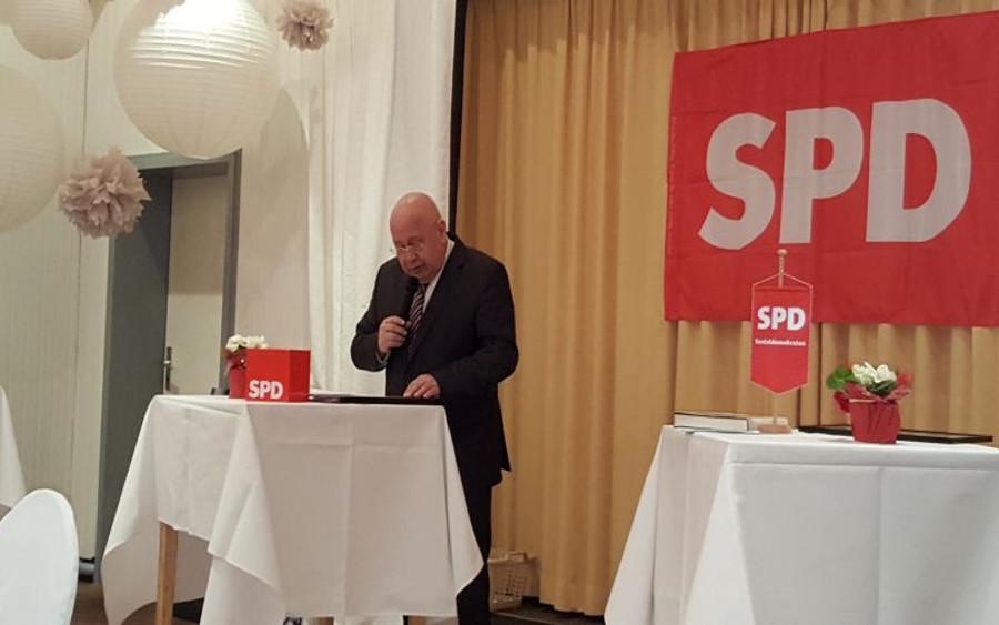"""SPD-Ortsvereinsvorstand legt erstmals Halbjahresbilanz vor Vorsitzender Dietrich Burggraf : """"Celler SPD / Bürgernah und politisch aktiv."""""""