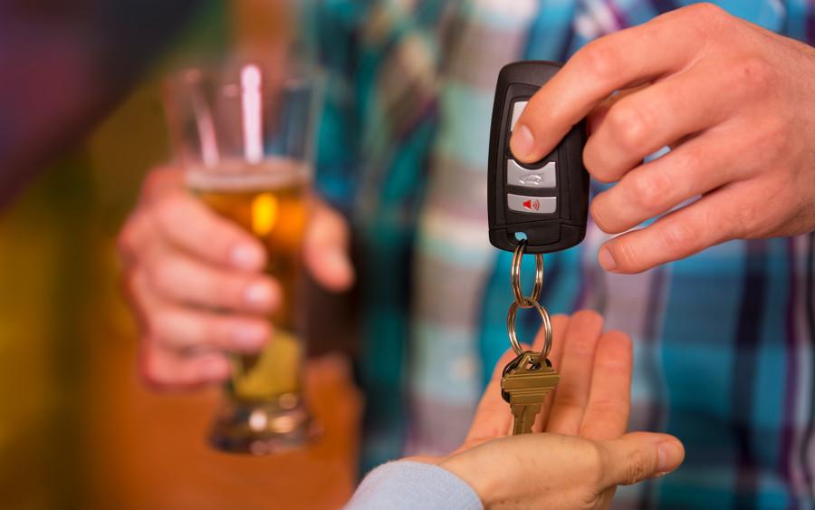 TÜV-Tipp: Abpfiff für Alkohol am Steuer