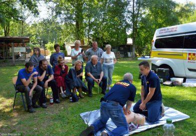 Tierpfleger frischen Erste Hilfe-Kenntnisse auf