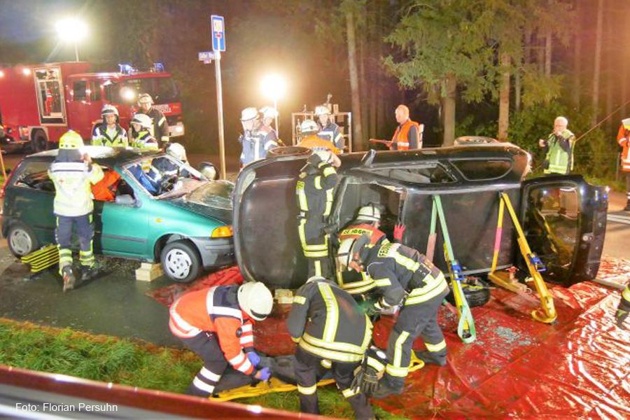 Einsatzübung mit dem Schwerpunkt Rettung bei Verkehrsunfällen – Über 60 Einsatzkräfte üben den Ernstfall in Celle