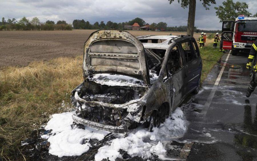 Fahrzeugbrand bei Bröckel