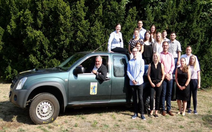 Mit voller Fahrt ins Berufsleben! – Landrat begrüßt neue Nachwuchskräfte beim Landkreis Celle