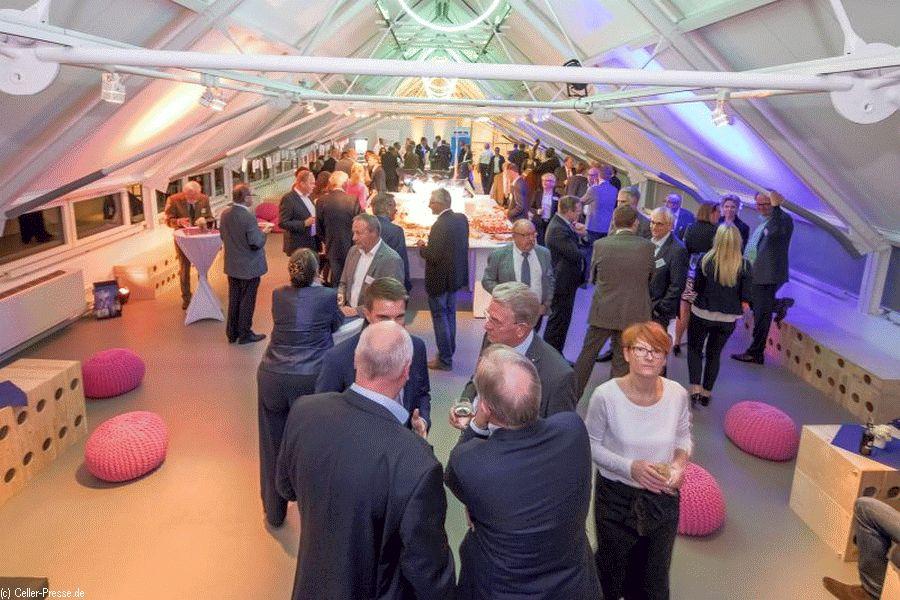 Dämmerschoppen für die Wirtschaft – 150 angemeldete Gäste beim traditionellen Netzwerktreffen