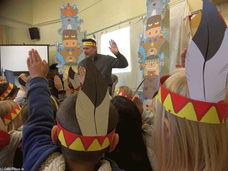 Gesund im Mund mit Zahnindianern: Aktionstag im Kindergarten Waldweg zum Tag der Zahngesundheit