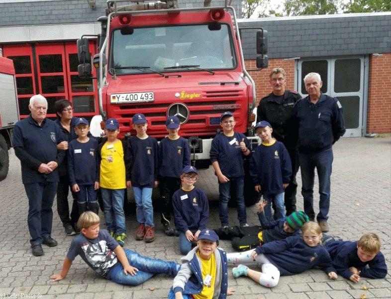 KINDERFEUERWEHR besucht Wache der Bundeswehr-Feuerwehr (Tr.ÜbPl Bergen)