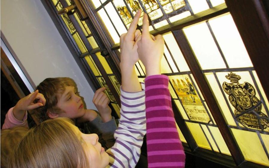Kuki-Werkstatt im Bomann-Museum: Von Rittern und Bäumen