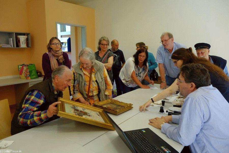 Kunst oder Kitsch? – Kunstwerke schätzen lassen im Museumsdorf Hösseringen