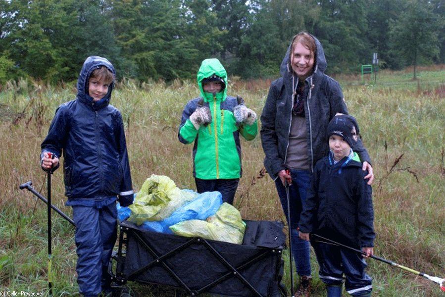 Müllsammelaktion in Nienhagen verläuft mit großem Erfolg