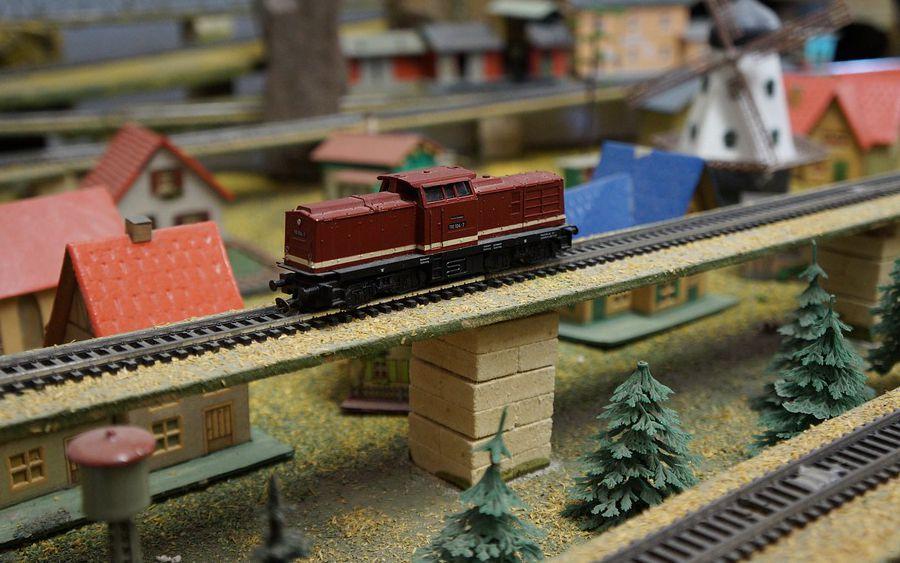Eine besondere Ausstellung wirft ihren Schatten voraus: Bahn, Fahrzeuge, Schiffe und Flugzeuge sollen zu sehen sein