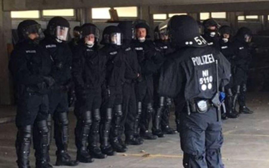 Polizisten informierten Schüler über den Polizeiberuf