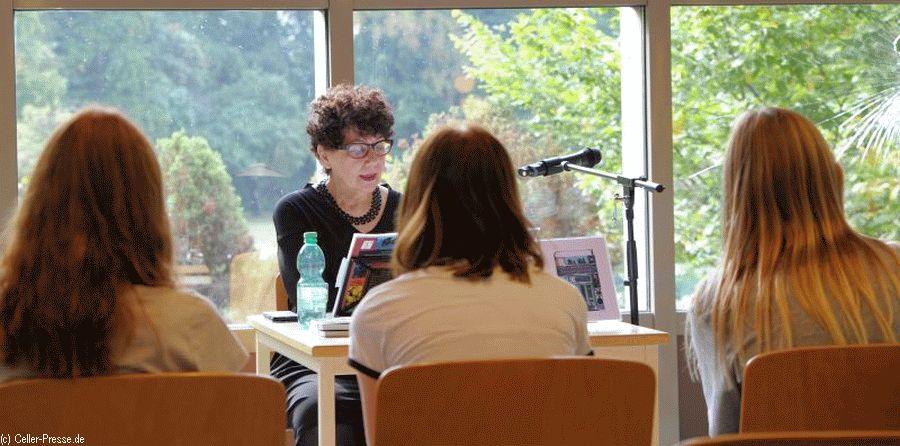 Spannende Geschichten, spannender Beruf: Autoren lesen für Schüler des Christian-Gymnasiums
