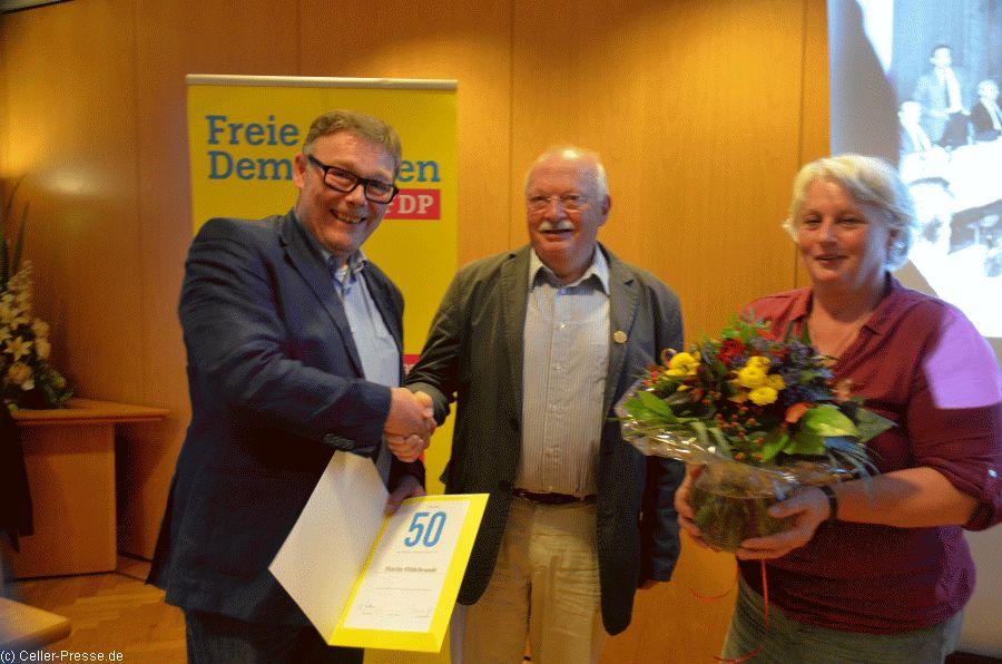 FDP Celle ehrt Urgestein der liberalen Politik