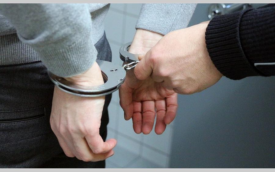 90% aller Inhaftierten freilassen? – Thomas Galli im Projekt Brückenbau