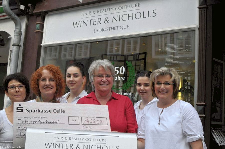 Salon Winter & Nicholls unterstützt Kinder- und Jugendhospizarbeit mit 1.420,02 Euro
