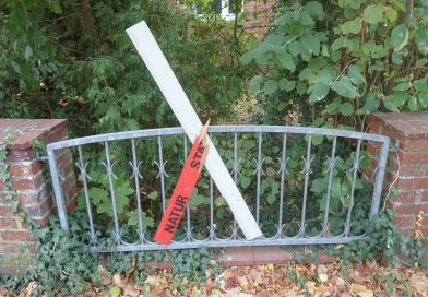 Zerstörung von Protestkreuzen