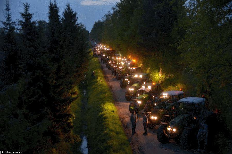 """""""SuedLink heizt ein"""" – Bauern setzen Zeichen  – Celler Landvolk lädt am 22. November nach Großmoor ein"""
