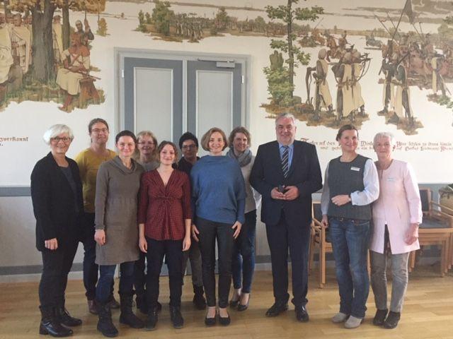 """Projekt zum beruflichen (Wieder-) Einstieg für Frauen: """"NeuStart"""" geht weiter!"""